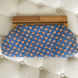 Darling Vintage Quilted Clutch w/Wooden Handle